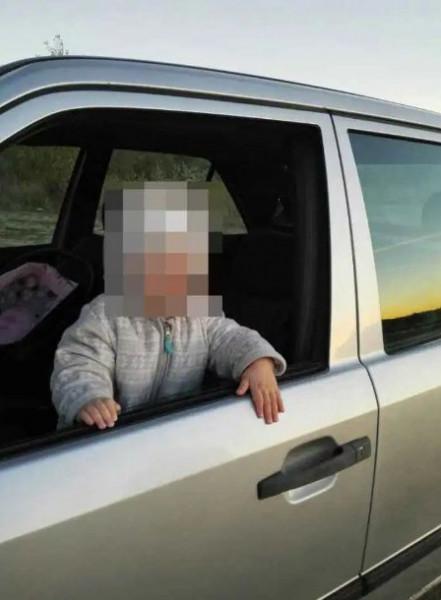 طفلة بعمر عامين تقتل والدتها بطريقة مروعة