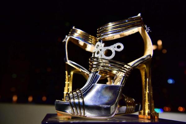 أغلى حذاء في العالم ثمنه 19.9 مليون دولار  3911029497