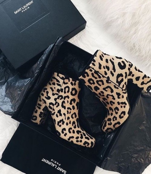 """ankle boots"" بلون جلد النمر والثعبان  3911033225"