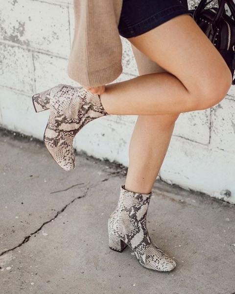 """ankle boots"" بلون جلد النمر والثعبان  3911033228"