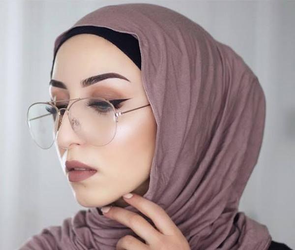 الحجاب الفضفاض يناسب الجامعة والعمل 3911036462