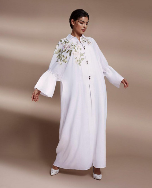 عبايات باللون الأبيض موضة 2019 تخفي عيوب الجسم 3911037068