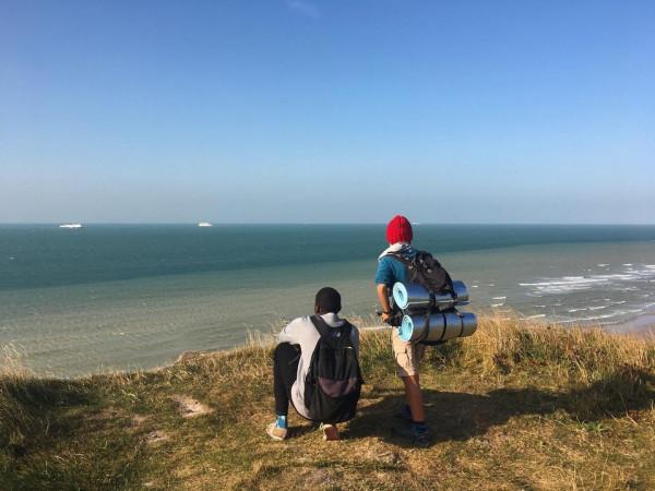 طفل يسير 2800 كيلومتر على قدميه لرؤية جدته   3911105922