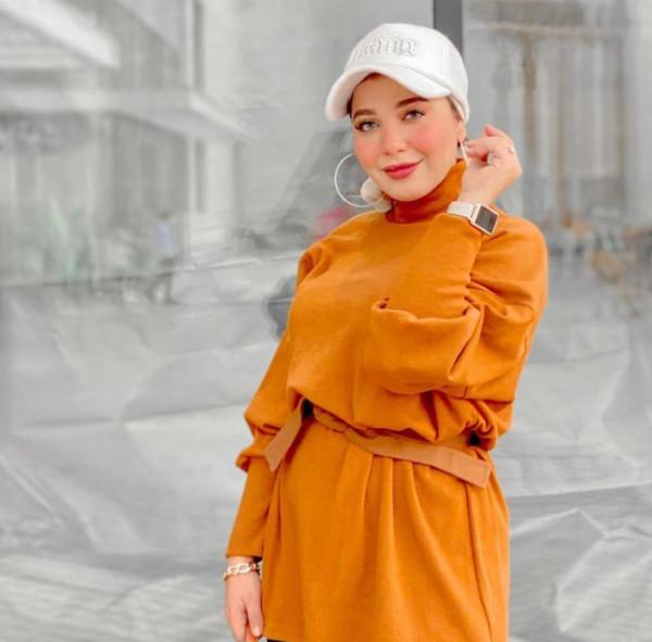 قبعات شتوية فوق الحجاب لإطلالة مميّزة 3911132424