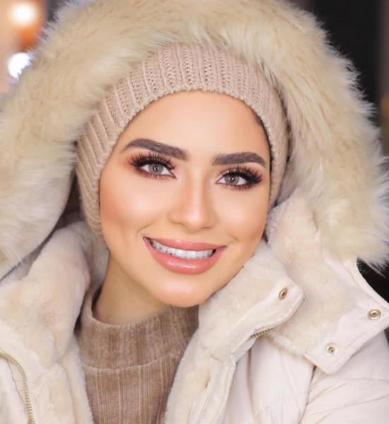 قبعات شتوية فوق الحجاب لإطلالة مميّزة 3911132425