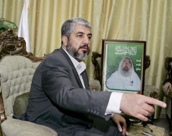 """شنّ هجوماً على حركة حماس واتهمها بمحاربة الدولة ..بشار الأسد : لقاء """"حمد - مشعل"""" بداية الحكاية ..!"""