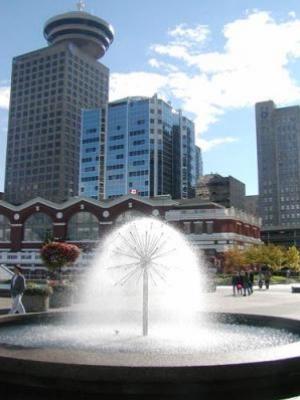 سفارة كندا في ابوظبي ترفض تأشيرات الزيارة وتصادر الرسوم بعد اهانة غالبية طالبي التأشيرات