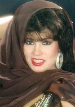 فيفي عبده تزوجت 6 مرات منها 4 زيجات عرفي وتقول:مفيش نفس للجواز