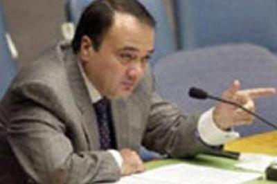 سفير فلسطين الجديد في الامارات مازال يبحث عن منزل والسفير السابق مازال يقيم في الفيلا المخصصة من الدولة