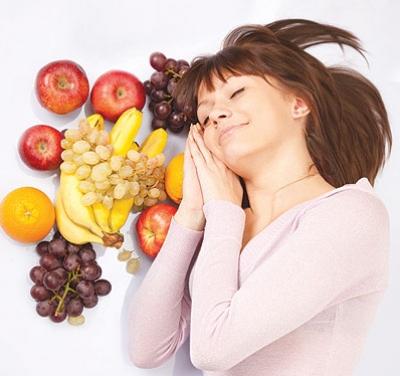 أطعمة تساعد النوم.. وأخرى تعيقه