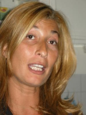 سميرة بوشيبتي عضوة البرلمان الهولندي:الشابات المغربيات يغادرن منازلهن ليسقطن بين أيادي الذئاب الليلية ومافياالدعارة