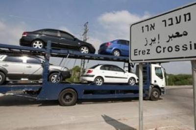 إسرائيل تسمح بإدخال 20 سيارة إلى غزة