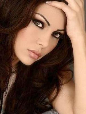 """هيفا وهبي تتصدر """"أكثر 30 امرأة عربية إثارة في الإعلام"""" وروبي الأخيرة"""