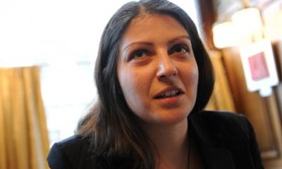 أول إمرأة فلسطينية تشغل منصب نائب في البرلمان الإتحادى النمساوي