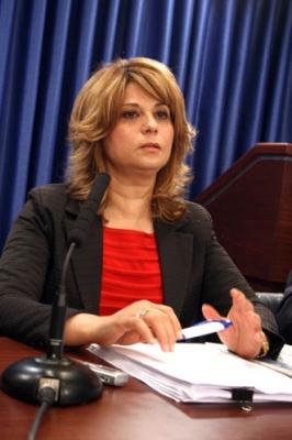 وزارة المالية الفلسطينية: مستحقات الموظفين ستدفع خلال شهر أو شهرين