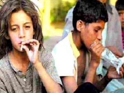 أطفال العرب يروجون للمخدرات برلين 3884960439.jpg