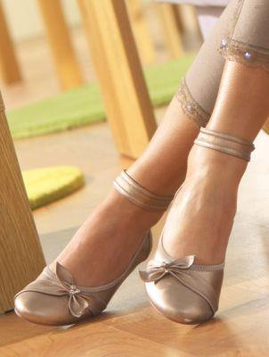 احذية للبنات 2011