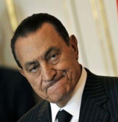 دول الخليج تهدد بسحب استثماراتها وترحيل العمالة المصرية لو تم محاكمة مبارك