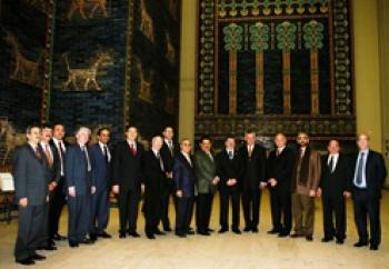 فضائح وأسرار وجنس ورشاوى في السفارة العراقية في اليونان