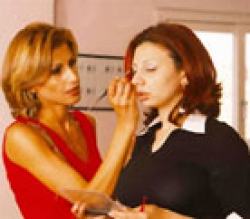 أمينة شلباية:80% من نساء العرب يجهلن وسائل الاعتناء بالبشرة والشعر