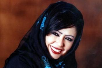 المذيعة السعودية خديجة الوعل:لست مجرد دلوعة