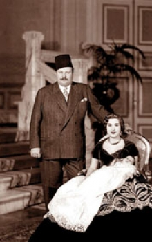 نجل الملك فاروق الأمير أحمد فؤاد أعمل الآن مستشارا في وكالة اقتصادية ومأساة والدي أنه أصبح ملكا في عمر 16 دنيا الوطن