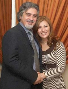 في منزل بطل الحارة عباس النوري وزوجته ..عباس النوري: زرت الطبيب للعلاج من المرض الذي أصابني في «باب الحارة»