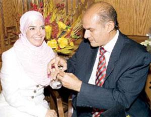 في أول حوار بعد زواجها المفاجئ منى عبد الغني: زوجي يحترمني كفنانة ولن يتحوّل للإنتاج من أجلي