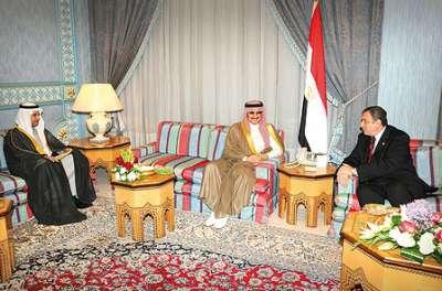 الأمير الوليد يلتقي رئيس الوزراء المصري في الرياض