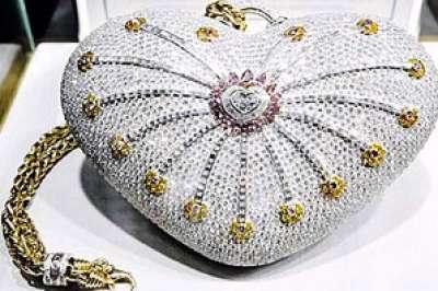 أغلى حقيبة يد بالعالم ثمنها 3.8 ملايين دولار تعرض بجدة 9998295307.jpg