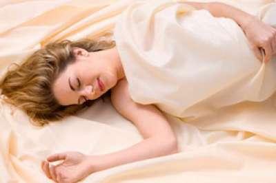 تحذير للنساء: النوم أكثر من 8 ساعات يجعلكِ أكبر 7 سنوات