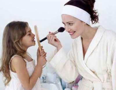لجميع الامهات المنهكات: اليكن 5 طرق لتجديد جاذبيتكن