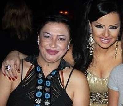 والدة ديانا كرزون تخلع الحجاب .. بالصور