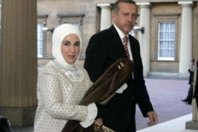 أردوغان وأوغلو يزوران الصومال برفقة