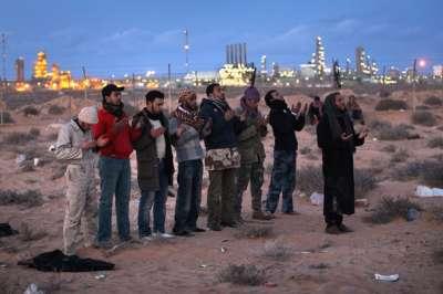 صور تتحدث عن الثورة الليبية