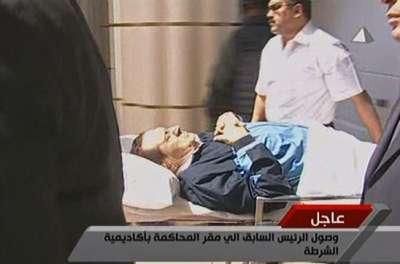 تفاصيل ومفاجآت 14 ساعة من جلسة مبارك ونجليه والعادلى و6