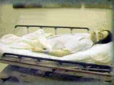 أول صورة لمايكل جاكسون وهو ميت على السرير