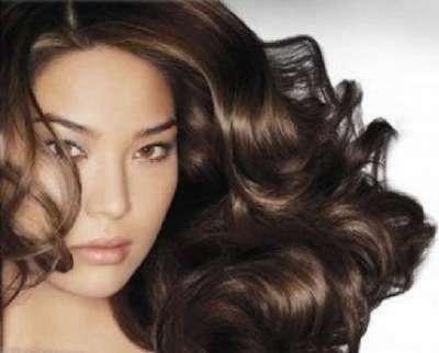 أفضل خلطة لتطويل الشعر وعلاج القشرة