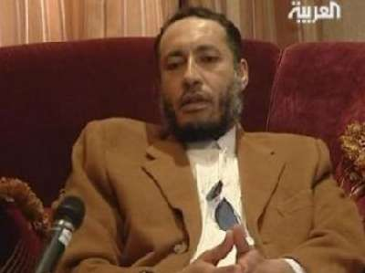 وصول الساعدي القذافي إلى مطار جدة بالسعودية
