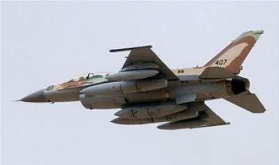 طائرة حربية مصرية تخترق اجواء