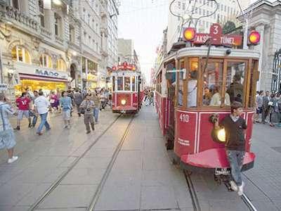في إسطنبول.. تكلم العربية فقط وإياك التحدث بالإنجليزية