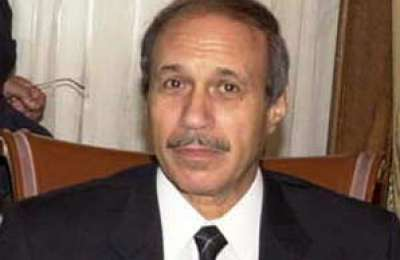وزير الداخلية المصري السابق يهدد