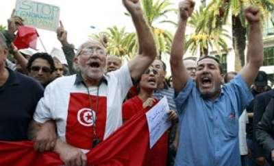 تونسيون نادمون المشاركة بالثورة:خاطرنا بحياتنا لأجل 9998313887.jpg