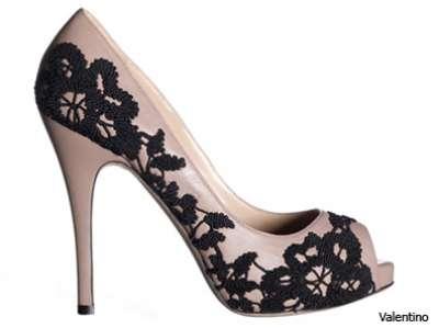أحذية مميزة للعروس !