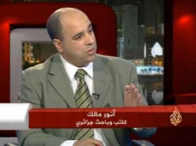 """أنور مالك: النظام السوري حاول إغراء المراقبين بـ""""النساء"""""""