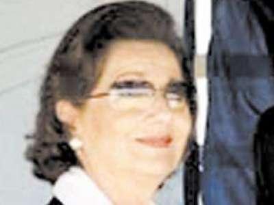سوزان مبارك تطلب السفر للعلاج