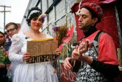 فتاة أمريكية تقرر الزواج مبنى 9998316536.jpg