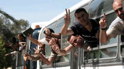 """بالوثائق : اسرار اكبر عمليات تبادل الأسىرى في تاريخ الشعب الفلسطيني """"الجزء الثاني"""""""