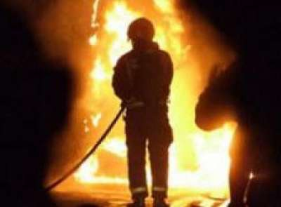 اصابتان في حريق مصنع أدوية من الاعشاب في محافظة طولكرم