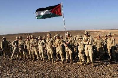 القوات الخاصة الاردنية تجبر قوات المارينز الأمريكية على رفع العلم الأردني